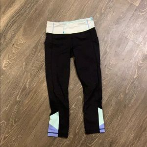 High waisted lululemon crop with pockets